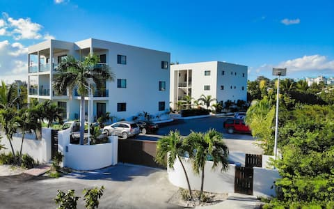 Newly Built!Grace Bay Luxury Gated 1 Bedroom Condo