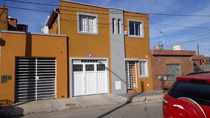 Excelente monoambiente  en Alta Gracia p/2