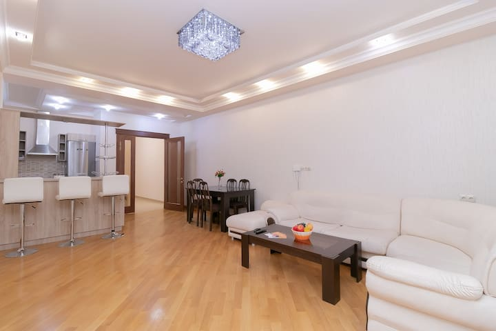 2 BDR 2BTH apartment on Buzand 13