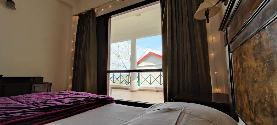 Cottage❤ | Living+Kitchen+Balcony | Kasauli Resort