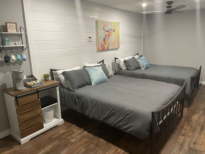 BeSt AirBNB in Iowa!?!  New-Clean-Awesome Perks!
