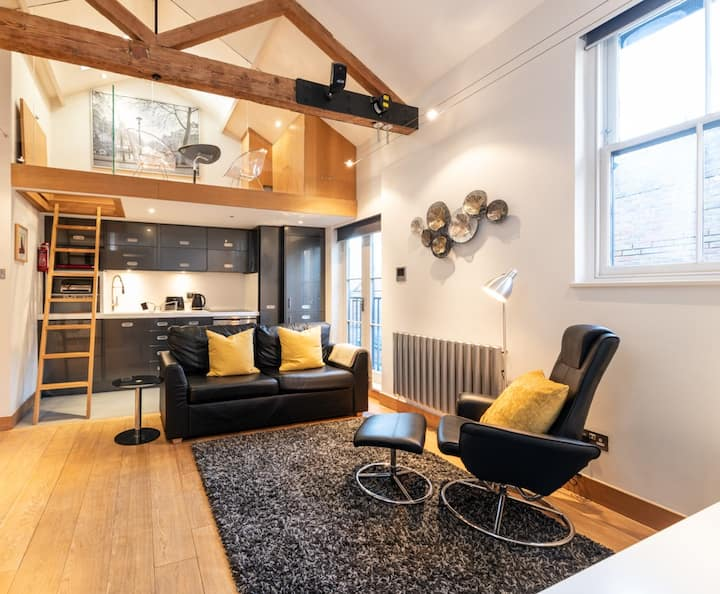The Gallery - central St Albans boutique apartment