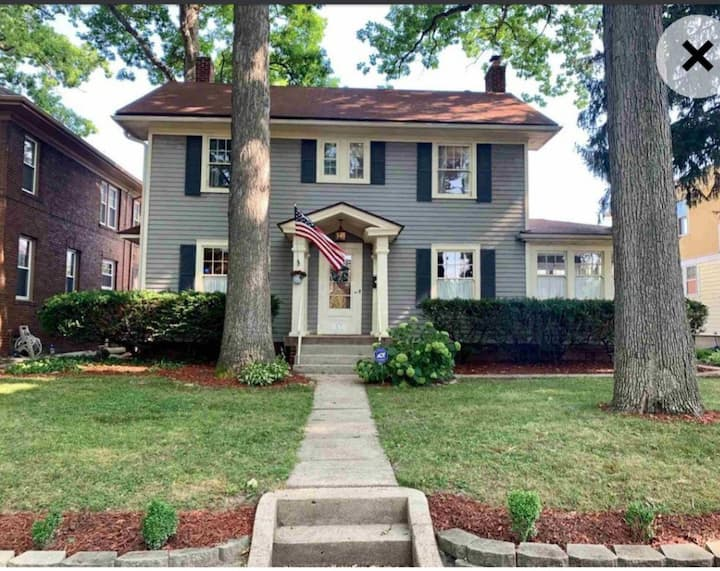 Beautiful Home Close to Downtown Fort Wayne