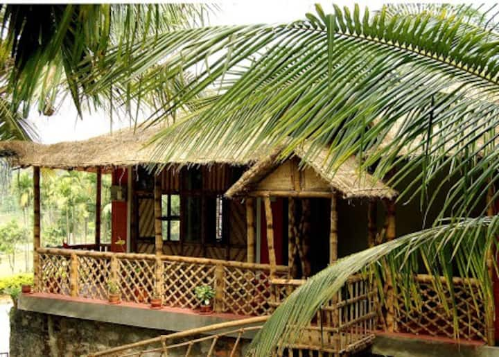 Enteveedu Homestay Entire Bamboo Cottage-3 rooms