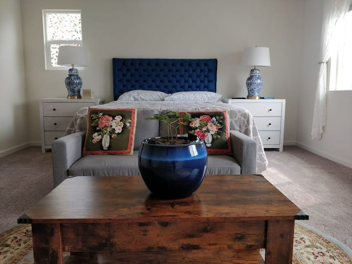 Large Master Bedroom with Private Bathroom!