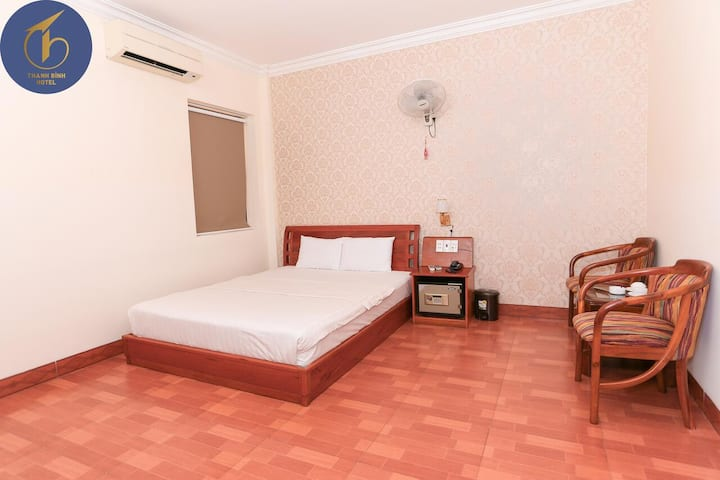 Clean Std Double Room no Windows@Thanh Bình Motel