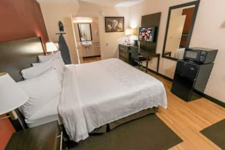 Northwest Columbus Hotel Room for 2 People