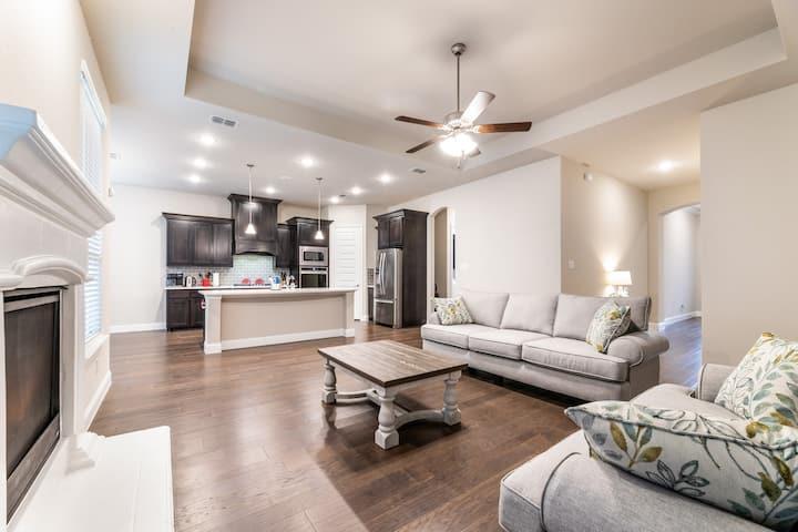 Gorgeous new home in Denton/Argyle area