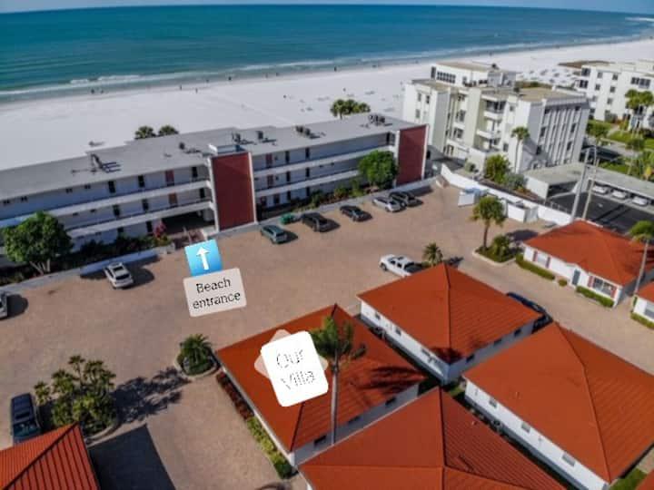 2BR/2Bath Beachside Villa on Siesta Key