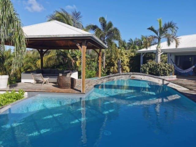 Villa archi 240m2, jardin Tropical, piscine 90m2