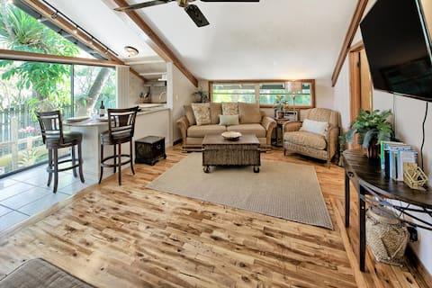 Exotic, Romantic, Private River Cabin for 2