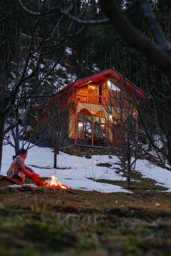 A Fairy Tale Cabin In Tandi| Broadband| 100 m Trek