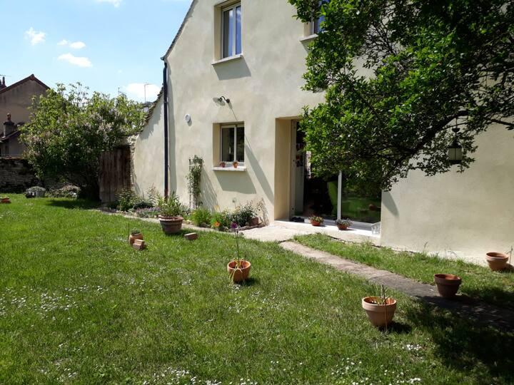 La Bussatière maison 3 chambres et jardin