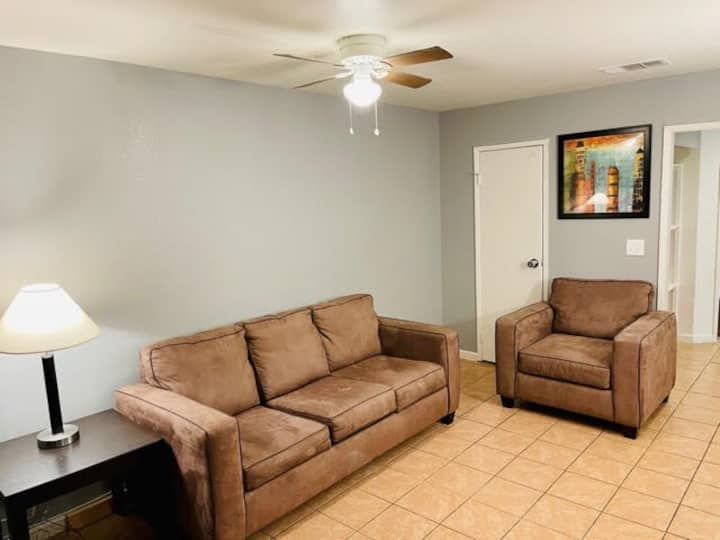 *BIG VALUE* 2 Bedroom Apt By Fremont St & LV Strip