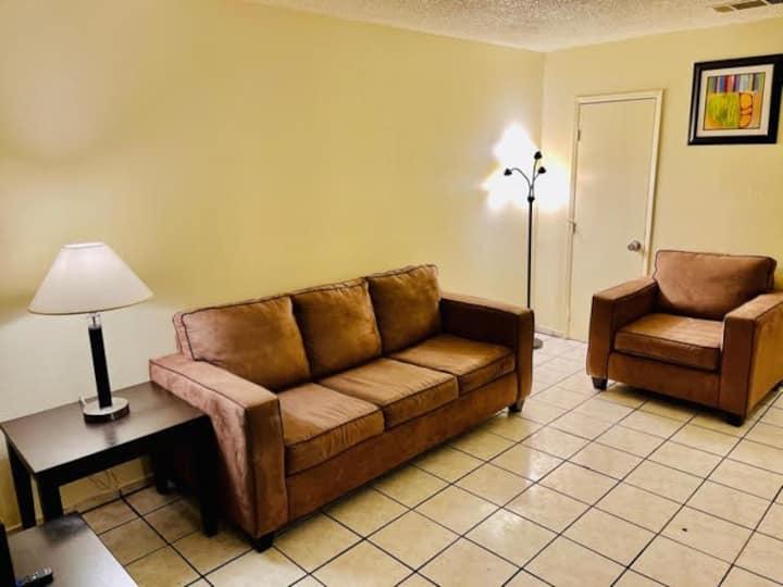 *BIG DEAL* 2 Bedroom Apt By Fremont St & LV Strip