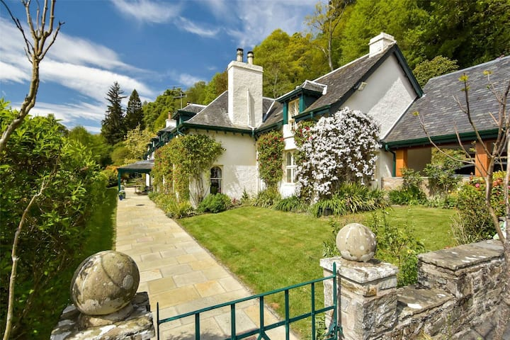 Boutique Hotel by Loch Tay