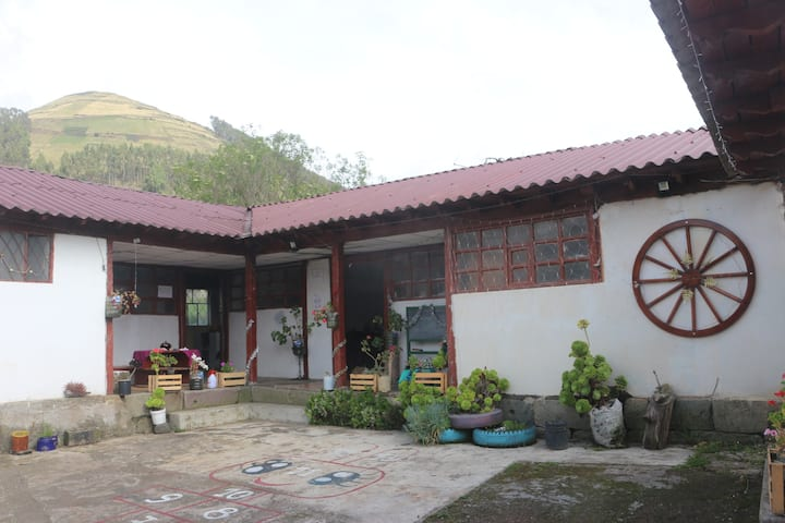 Shobol Urku Base Camp & Organic Farm