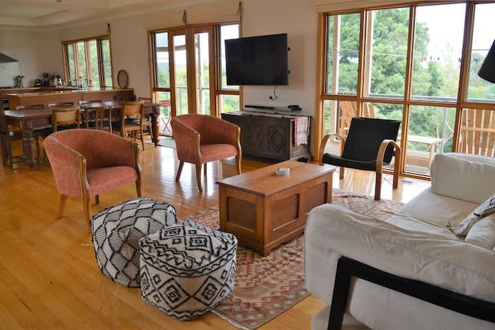'Slice of Paradise' Buninyong Country Retreat