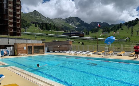 Equipped apartment at Plagne Bellecôte + swimming pool
