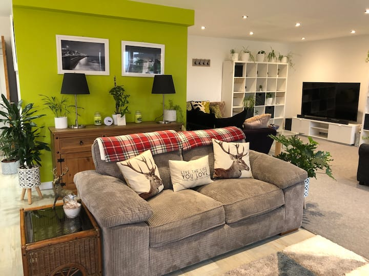 BELOW DECK - Luxury Family Apartment (Newquay)