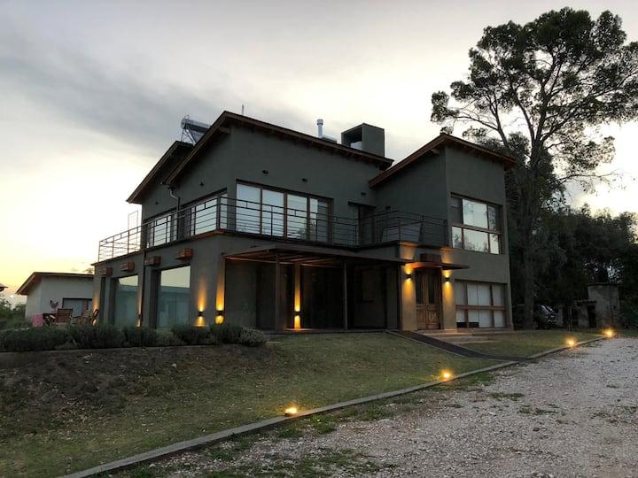 Casa Amai hosteria boutique en Villa Amancay