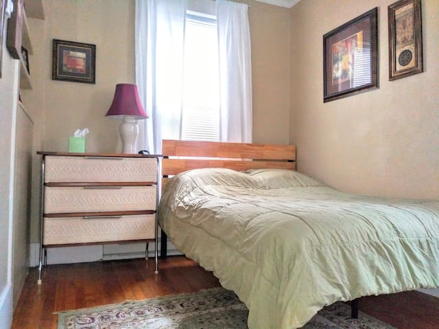 1st floor back bedroom with full/double bed