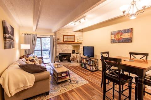 Centrally Located, Cozy & Updated Condo