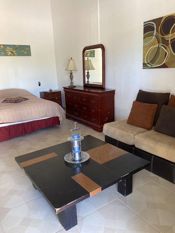 Apartamento Entero # 3, Plaza San Juan.