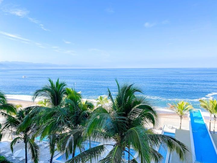 Beach Front 2 Bedroom, Ocean View Condo @Harbor171