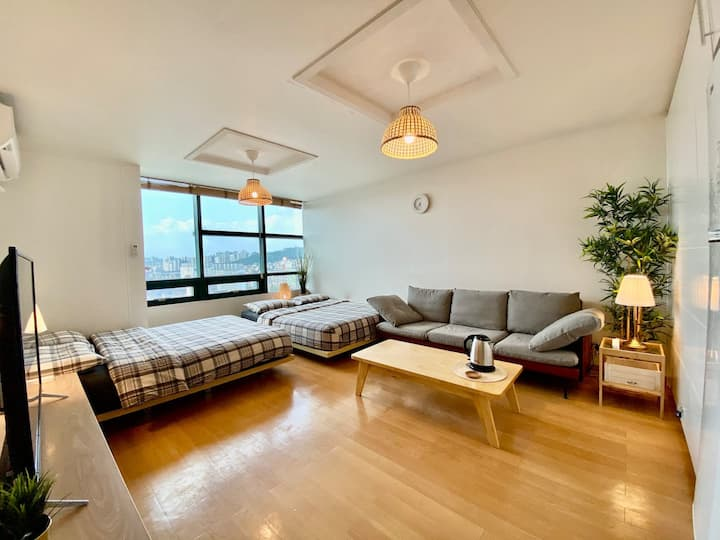 [City view1]Hongdae cozy room/Hongik univ stn.1min