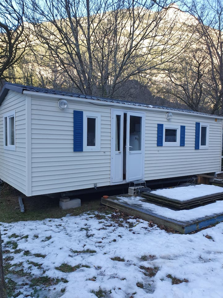 Location mobil home avec terrasse 4 couchages