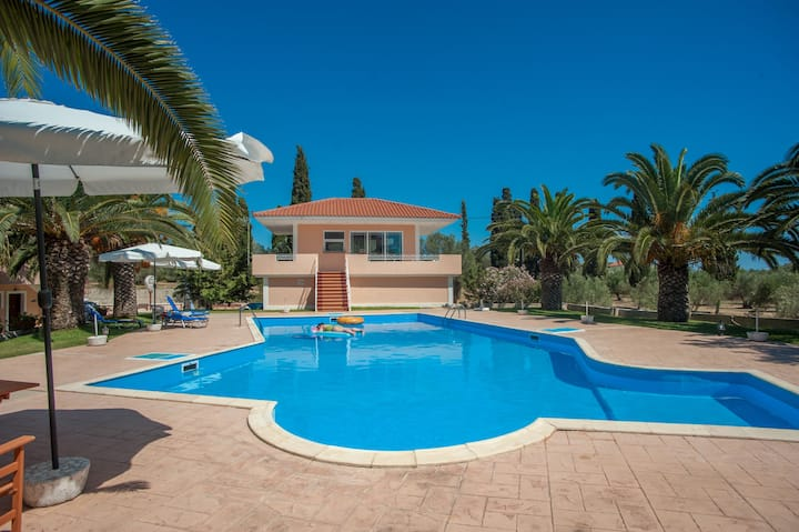 Marias Resort Standard Apartment with Pool