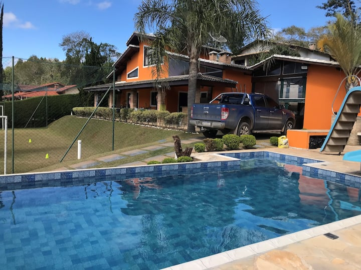 Casa com lazer privativo completo - Ibiuna - SP