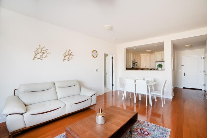 Awesome Apartment with Two Nice Bedrooms and Baths