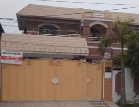 6 bedroom house at the heart of DHA Lahore + Car