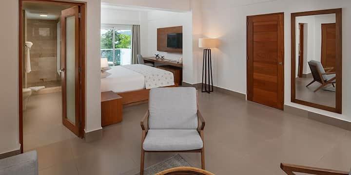 Beachfront Complex - Luxury Studio Suite