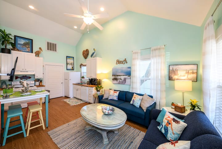 Adorable Cottage Rockport-Pool, King Bed, Dog OK!!