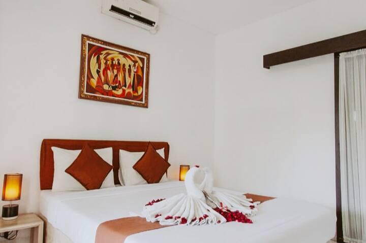 cozy standard room w/pool access near Bali Airport