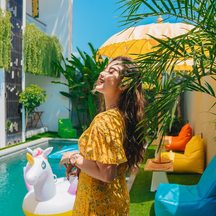 Guest house with pool view near airport Ngurah Rai