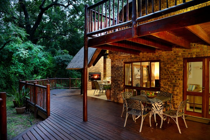 Cambalala's Private Villa - In Kruger Park Lodge