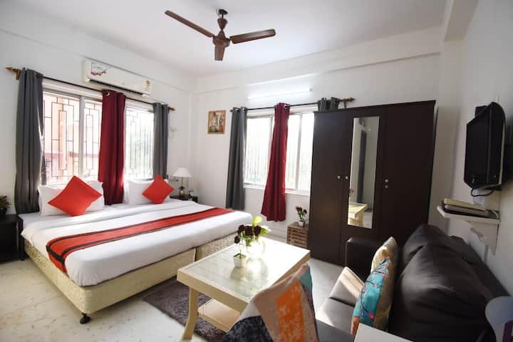 Modern AC Room & WiFi at Biswa Bangla Gate-Newtown