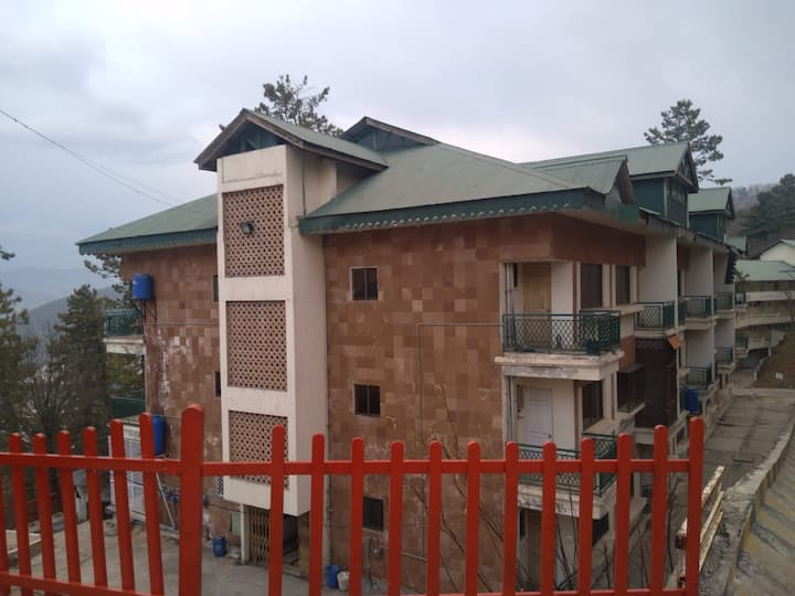 Cecil Apartment Main Mall Murree