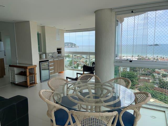 Guarujá 3 suítes varanda gourmet e vista magnífica