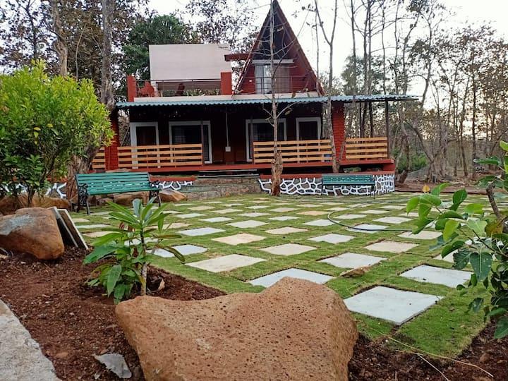 Teak Trail Cottage - Room 01