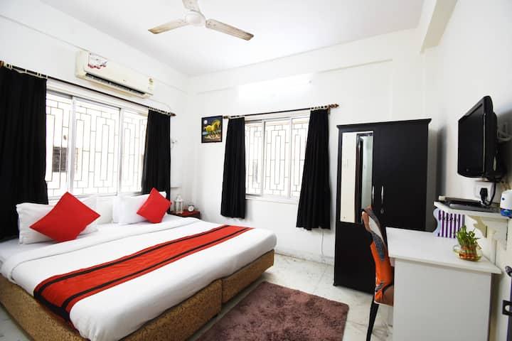 Couple Paradise-AC room@ Biswa Bangla Gate-Newtown