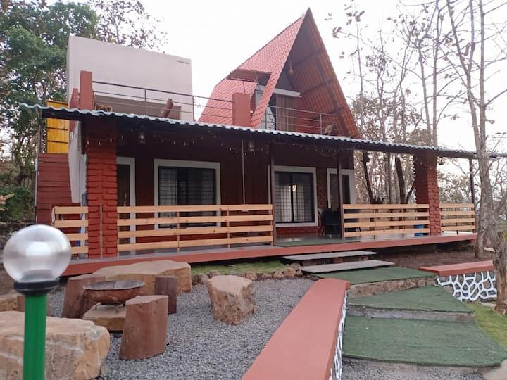 Teak Trail Cottage - Room 02