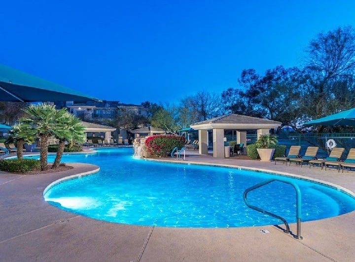 Walk to Kierland Commons, Westin Golf and more!