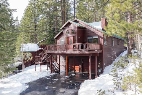 Truckee Family House in Tahoe Donner with Hot Tub