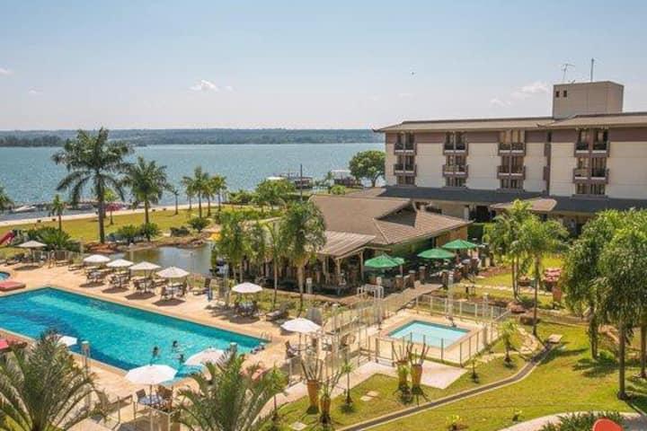 Flat Life Resort com vista do Lago