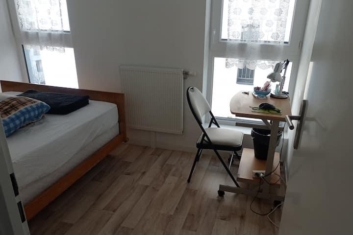 Chambre privée, appartement Orléans Coligny
